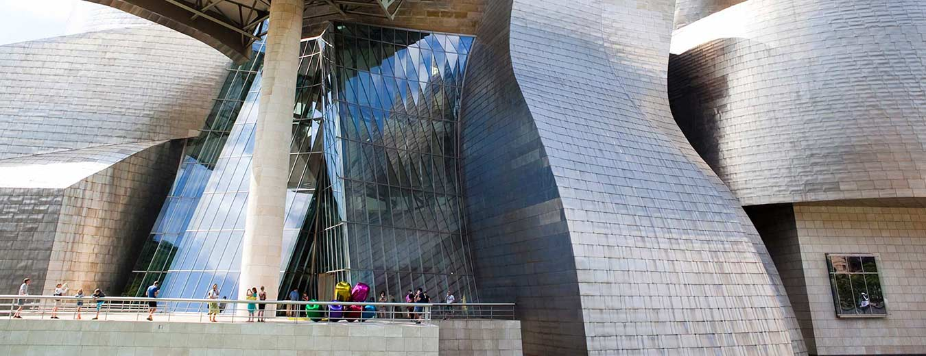Comprehensive walking tour Bilbao